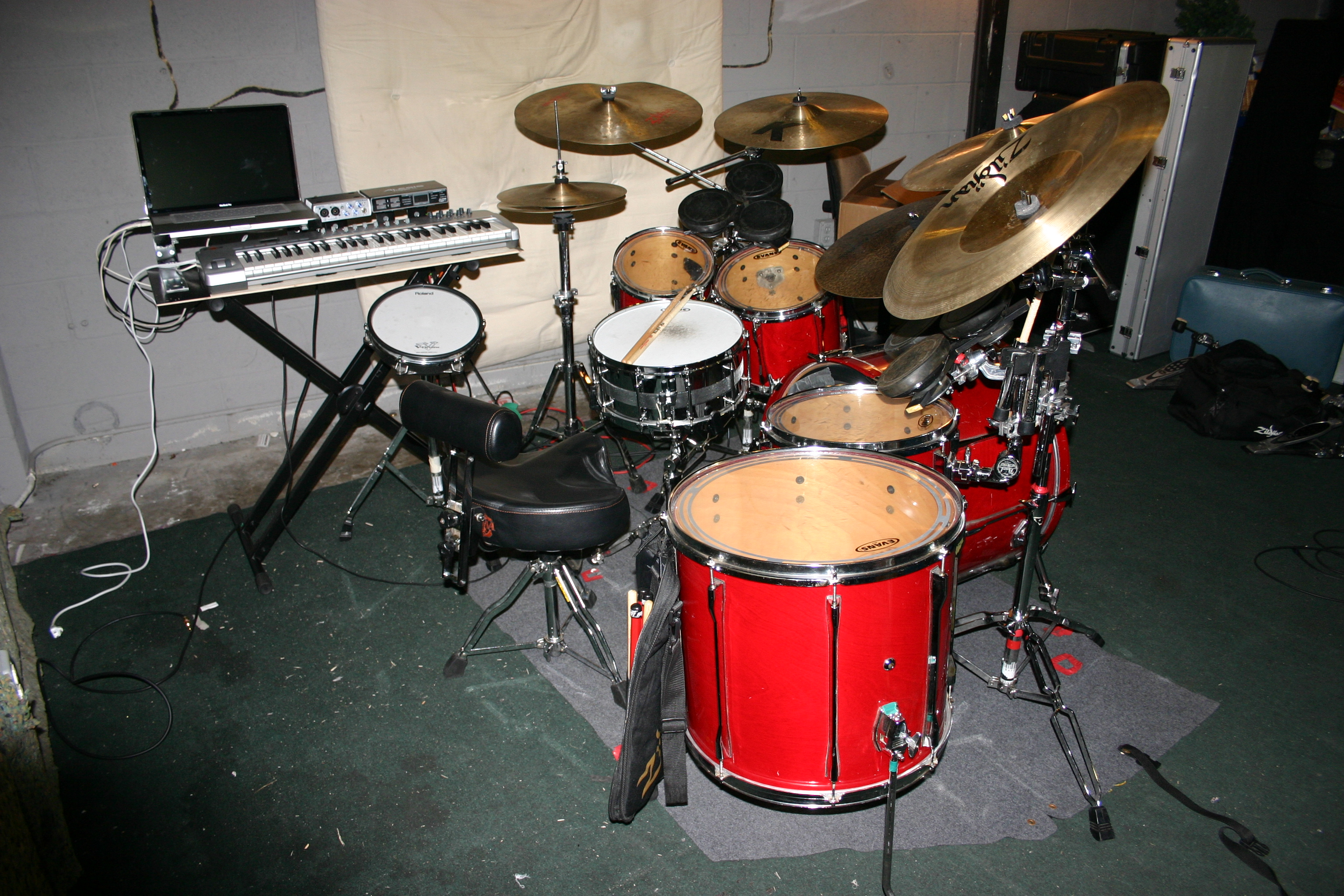 Electronics Rig With Drum Set